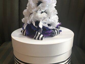 大人かわいいダイパーケーキ(おむつケーキ)の画像