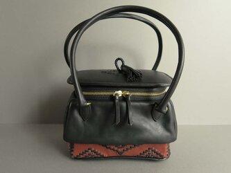 two handles pot bag -orient (black×reddish brown)の画像