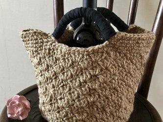 麻ひもの松編み(シェル編み)バッグ(中、ナチュラル)の画像