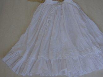White linen skirtの画像
