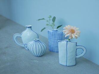 【再販】コバルト色が綺麗 取っ手の付いた四角い花瓶の画像