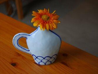 コバルト色が綺麗 取っ手のついた花瓶の画像