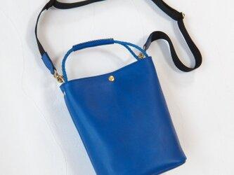 [受注生産] 編み紐ハンドルのバケツ型2Way ショルダーバッグ Blueの画像