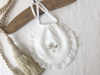 【コットンシフォンフリル巾着】ノースポールの刺繍の画像