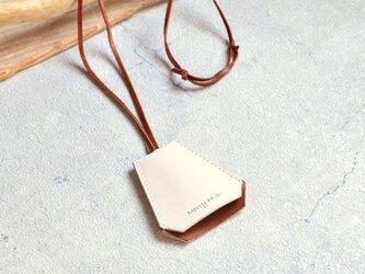 クロシェット ネックレス  ホワイト×キャメル イタリアンレザーの画像