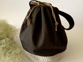 帆布と裂き編みのショルダー巾着バッグの画像