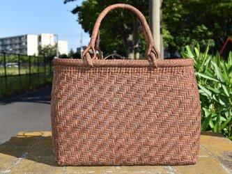 山葡萄(やまぶどう)籠バッグ | 斜め網代編み | 巾着と中布付き | (約)幅31cmx高さ23cmx奥行12cm | 一番皮の画像