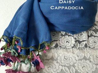 立体刺繍の花付き コットンストール デニムブルー&ピンクの画像