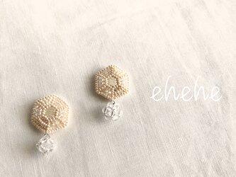 hiho-whiteピアスorイヤリング(tileシリーズ)の画像