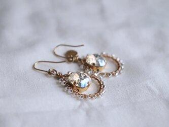 drop earrings - whiteの画像