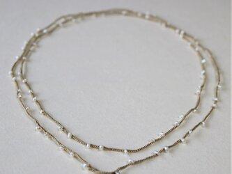 淡水パールのシルク糸編みネックレス・ベージュの画像