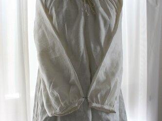 ラグラン袖のブラウス(白リネン)の画像