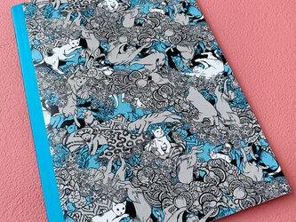 ゆるい猫が扉絵のA5判ノート(ブルー)の画像
