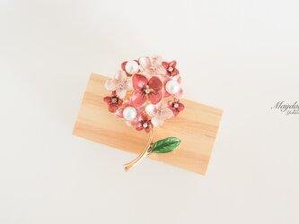 『優雅なブローチシリーズ〜紫陽花のブローチ』の画像
