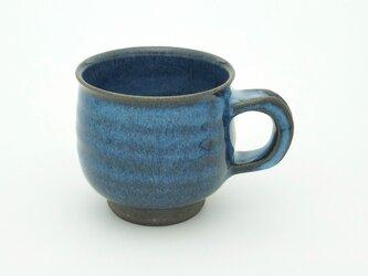灰釉マグカップ 黒土 (青)の画像