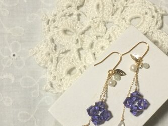 紫陽花のピアス(パープル)の画像
