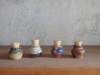 小壷(蓋付き)の画像