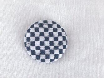 こぎん刺しの帯留め〈市松〉3.8cmの画像