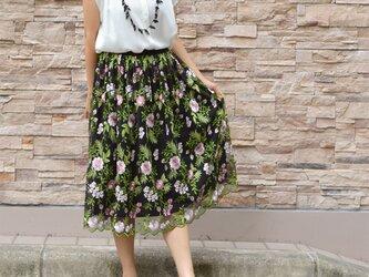 ボタニカル刺繍チュールスカートの画像