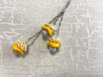 カラーでエネルギーチャージ 小花のネックレスの画像