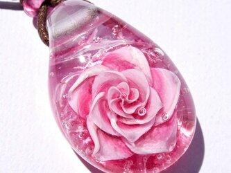 《ピンクサファイアローズ》 ペンダント ガラス とんぼ玉 薔薇 バラ の画像