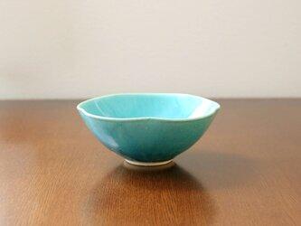 トルコ青釉の輪花鉢の画像