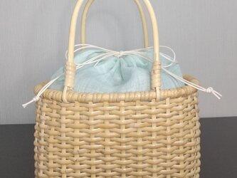 皮籐のかごバッグ(内巾着袋/薄いミントグリーン)の画像