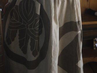 幟旗家紋のスカートの画像