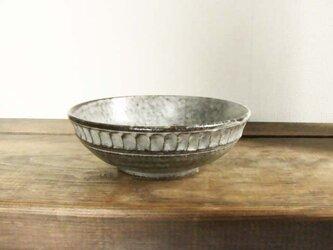 しのぎ手深皿(わら灰)の画像