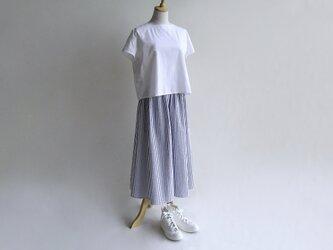 播州織コットン*たっぷりギャザーのキュロットスカート(白×紺ストライプ・サッカー生地)の画像