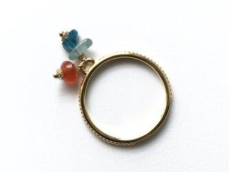カーネリアン使用 3種の天然石の華奢リング 重ね付け・指輪 13号ワンサイズ 天然石使用 カヤナイト・アパタイトの画像