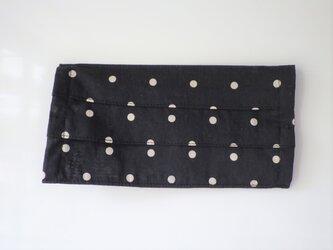プリーツマスクカバー 黒にオフホワイトのドットの画像