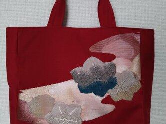 深紅の帯地かばんの画像