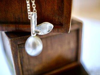 淡水パールの木の実のペンダントNo.2/ Silver950の画像