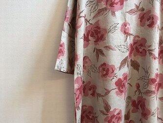 リネン100 おしゃれなワンピース bloom 薔薇 (ピンク)の画像