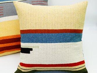 シルク糸の手織り・クッションカバー/45×45(ペールイエロー)の画像