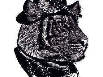 額装済み切り絵作品・虎の画像