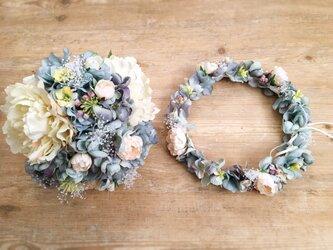 ブルーグレーのシックな花冠&ブーケ2点セットの画像
