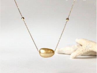 K18 白蝶真珠 ゴールデン ケシ ネックレスの画像