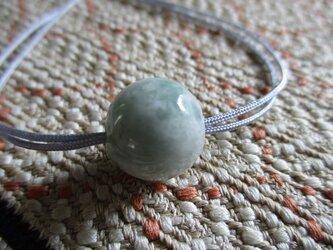 緑の斑脈が美しいミャンマー翡翠 お紐仕立て無段階調節可能ネックレス もしくはストラップ 628の画像