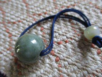 凛とした美しさのミャンマー翡翠 お紐仕立て無段階調節可能ネックレス もしくはストラップ 629の画像