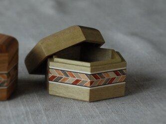 六角小箱(小、朴)の画像