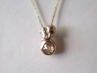 朝靄のダイヤと子リスのペンダント(K10)の画像