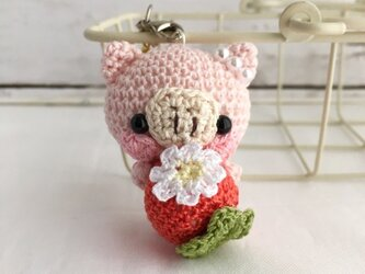 赤イチゴ・淡ピンク色ブタさん*鈴付きイヤホンジャックストラップの画像