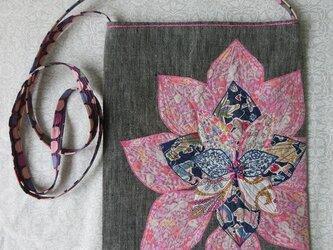 お花のポシェット ピンクブルーの画像