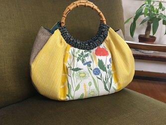 ☆sale  ふっくらバッグ バンブーハンドル 野の花とストライプの画像