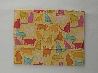 通帳・お薬手帳入れ入れ リバティプリント(Smily cats) の画像