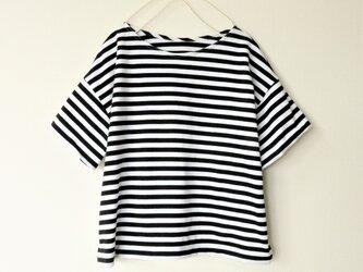 【新作】スッキリ着丈のゆったりボーダーTシャツの画像