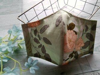 送料無料✴ミントグリーン地に薄いピンクの大人花柄マスク✴裏地に涼感加工ガーゼ使用✴の画像