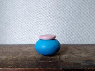 小壺 フタ付きの画像